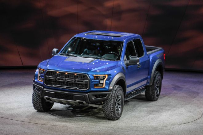 2017-ford-f-150-raptor-front-three-quarter-04