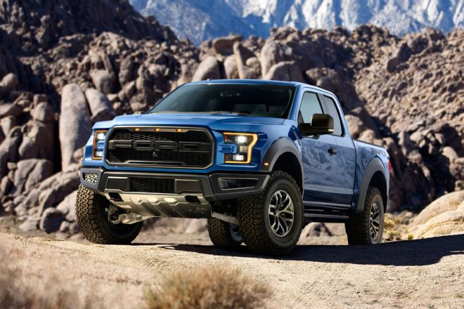 2017-ford-f-150-raptor-left-front-hero