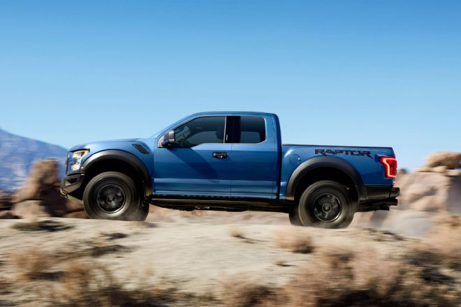2017-ford-f-150-raptor-left-side-driving