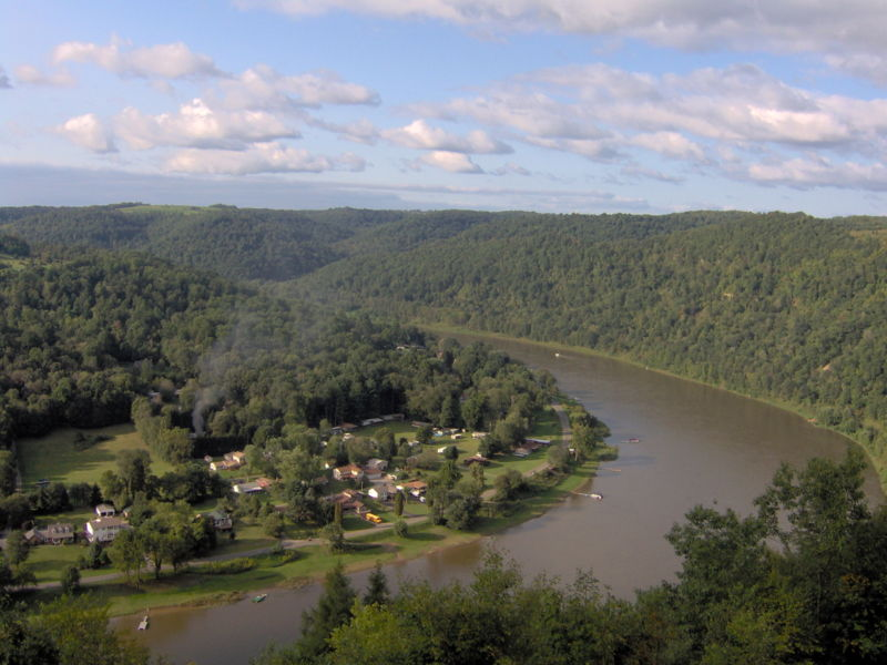800px-allegheny_river_bend