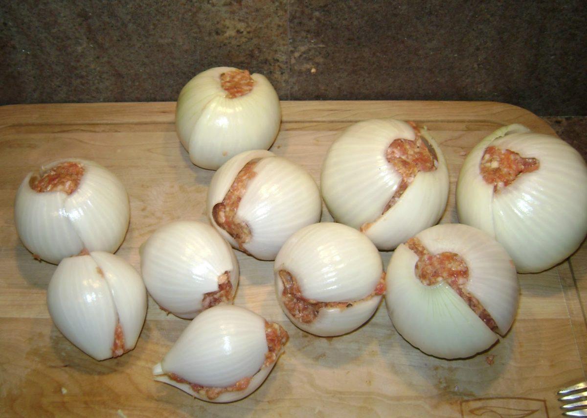 Campfire Recipes – Onion Bombs
