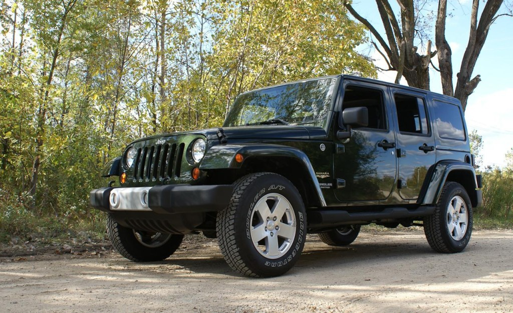 4WAAM-Jeep-Wrangler-Sahara_Unlimited