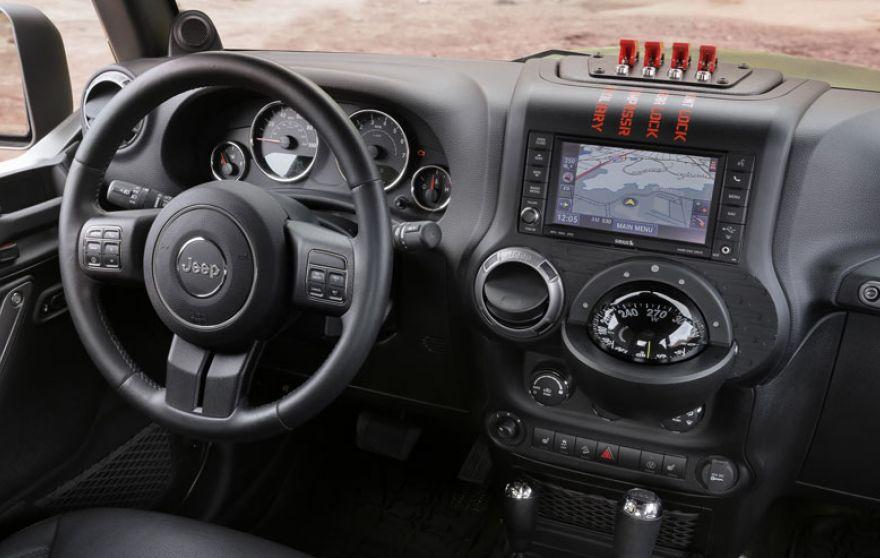 4WAAM-jeep-chief-cabin