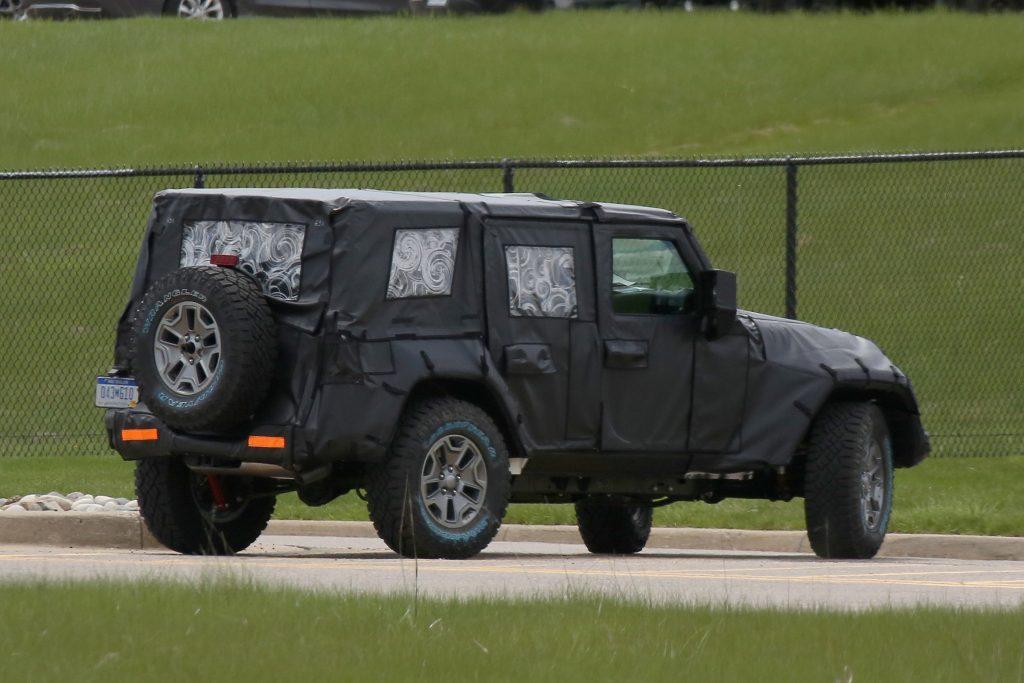 4WAAM-Jeep-Wrangler