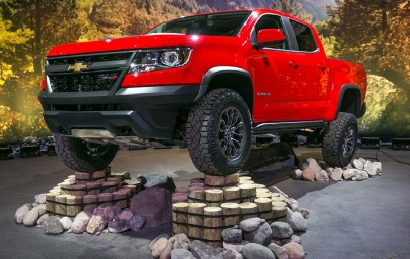 4waam-chevrolet-colorado-zr2-flex